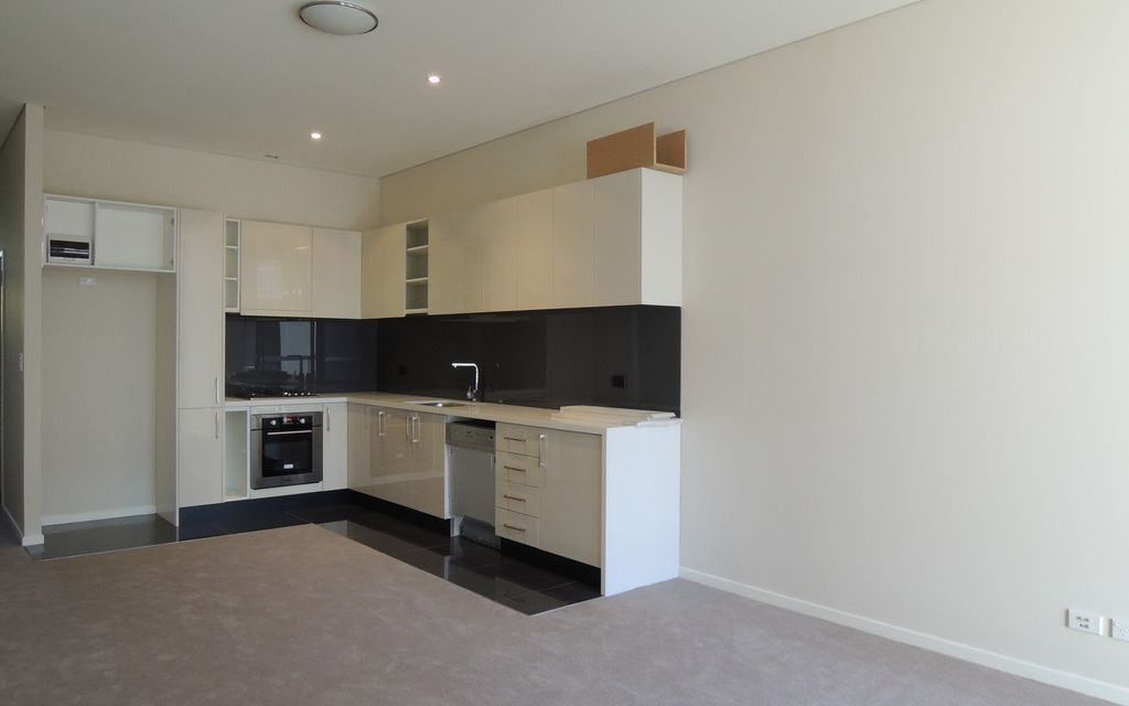 Modern 1 bedroom + Study apartment in Emerald Park