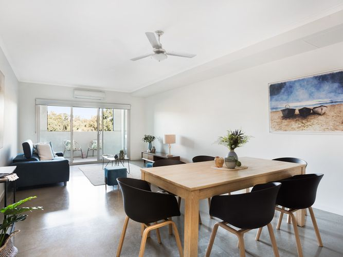 Contemporary apartment in trendy Bowden