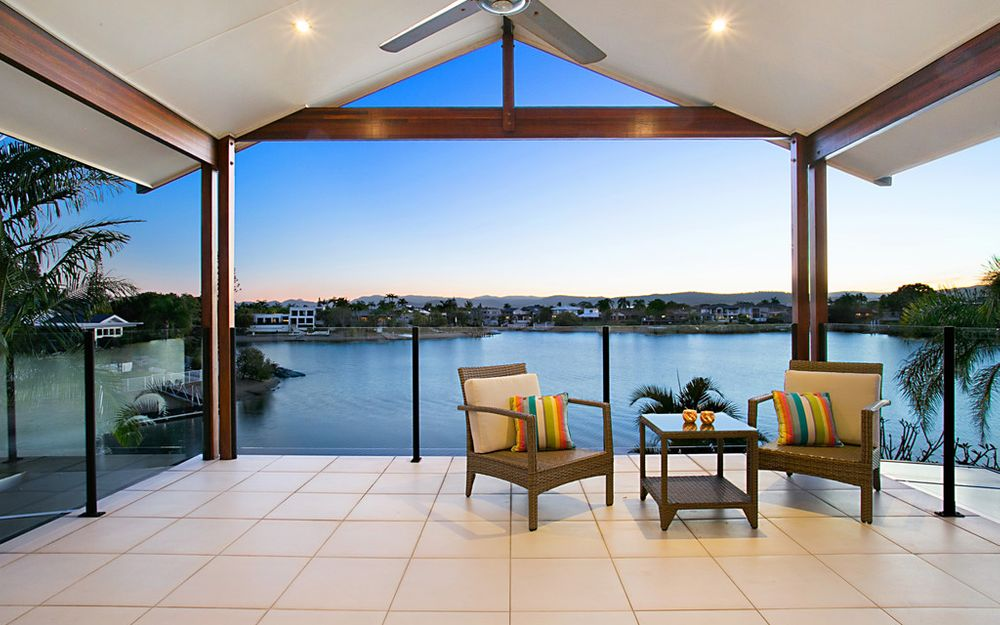 UNDER CONTRACT – ELEGANT FAMILY RESIDENCE – POINT POSITION ON TRANQUIL LAKE SORRENTO