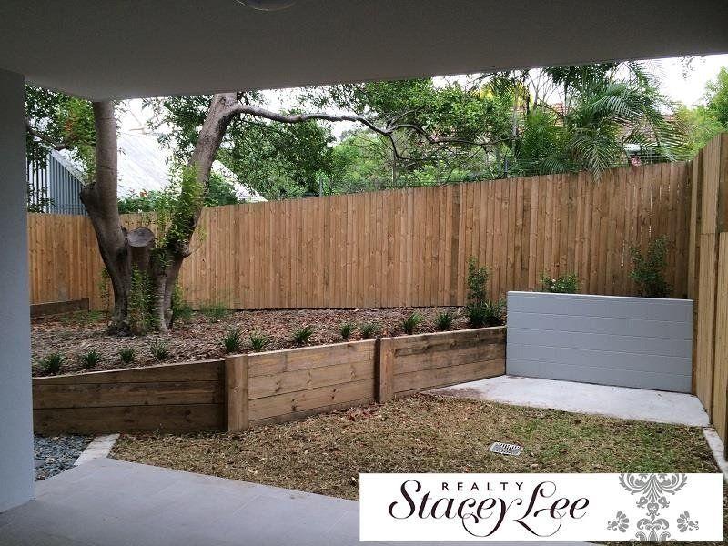 Want modern living plus spacious courtyard?! Call NOW