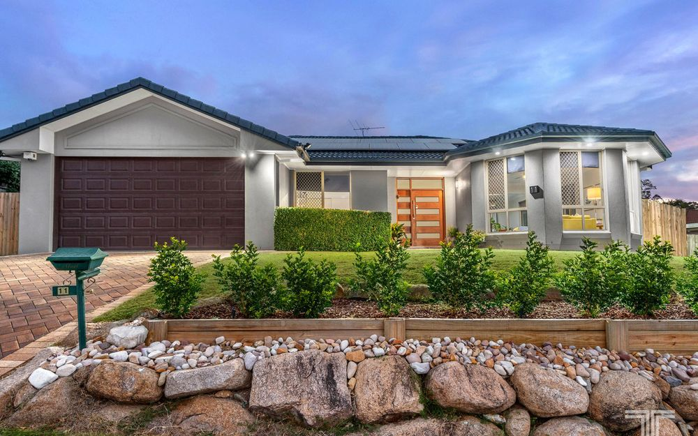 Stylish Family Living in Mansfield State School Catchment