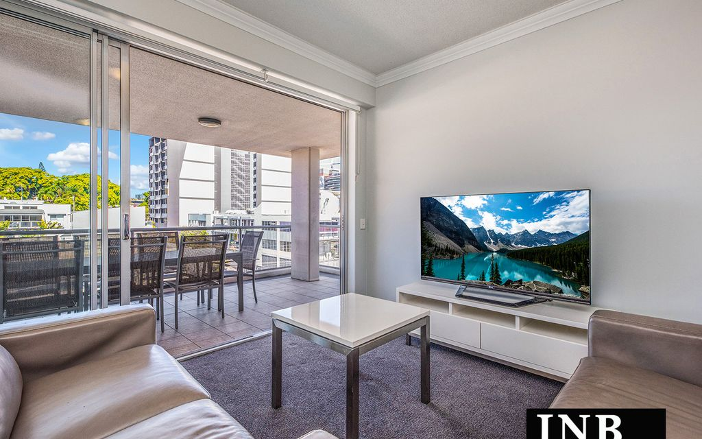 City Views, Big Balcony + Furniture + New Air-Conditioning