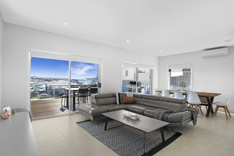 Privacy, Luxury and Views of the Water and Escarpment