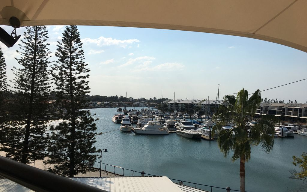 PENTHOUSE HARBOURSIDE APARTMENT – RABY BAY