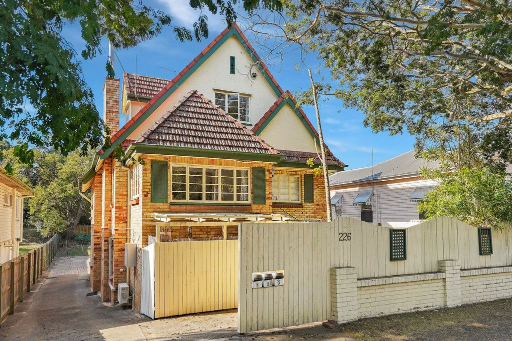 Charming, Very Rare and Fully Renovated!