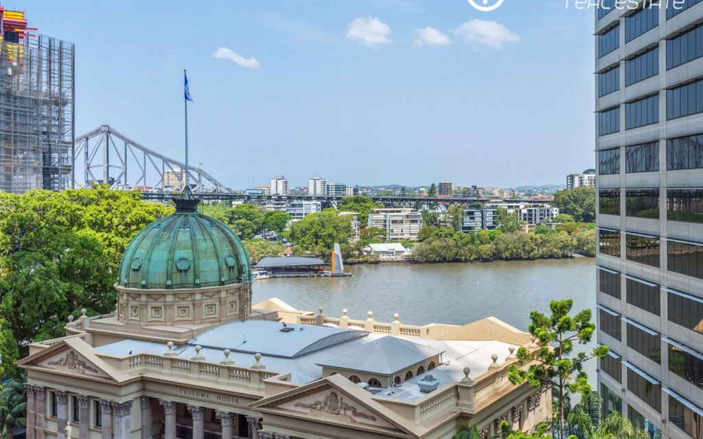 Stunning inner city pad with amazing river and bridge views over Customs House! – UNDER CONTRACT
