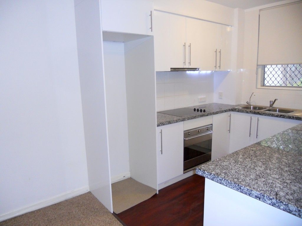 *ACCEPTED APPLICATION* 2 X 1 DOUBLE STOREY TOWNHOUSE, PERFECT LOCATION!