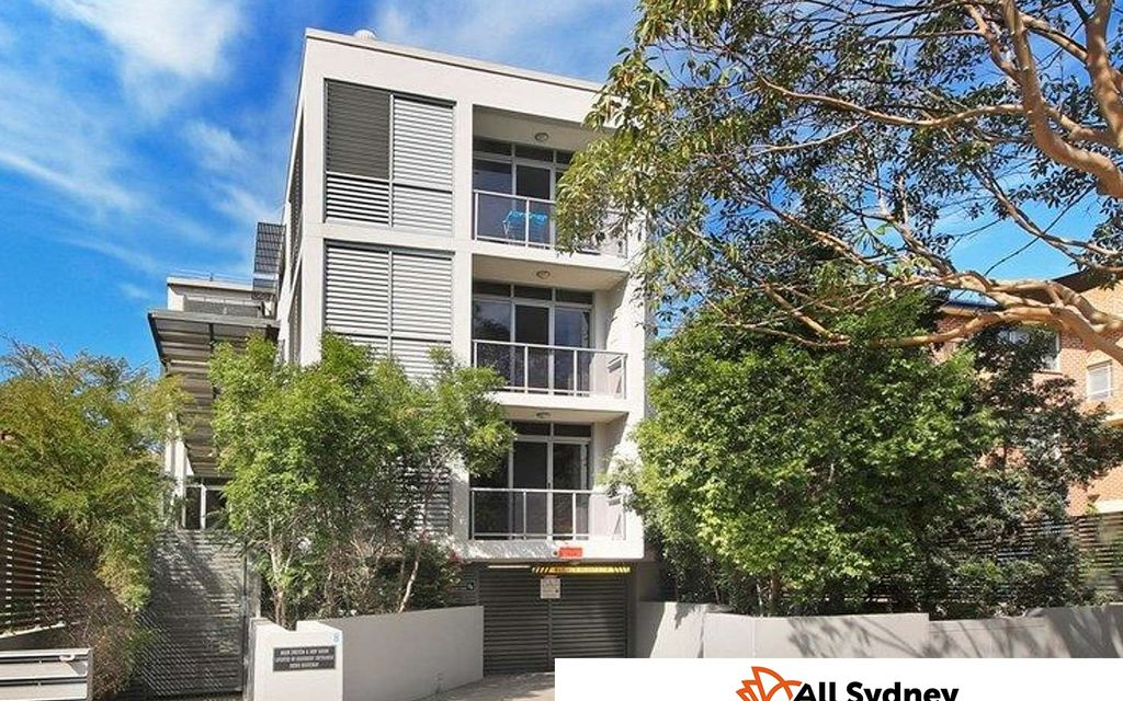 Immaculate 1 bedroom unit