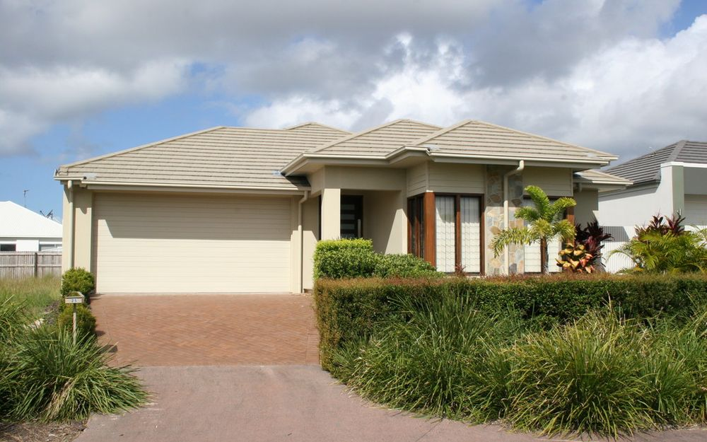 Private home hidden away on quiet Ponytail Circuit in sought after Brightwater!