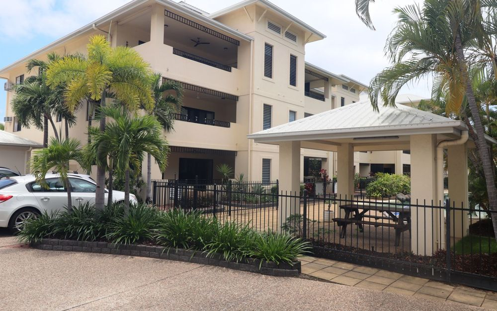 2 Bedroom Unit In Gated Complex