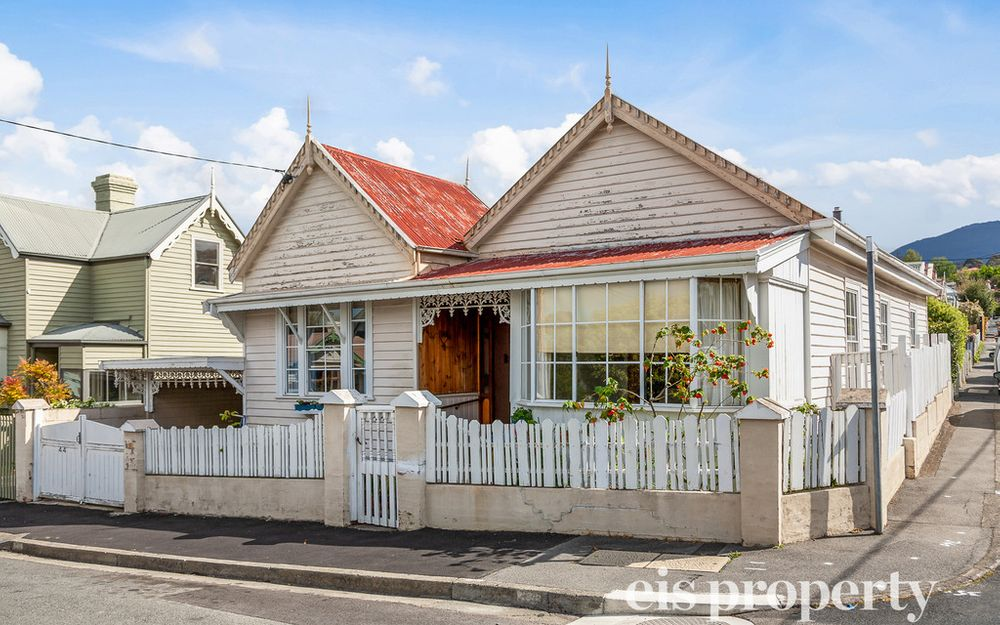 3 Bedroom c 1915 Character Cottage