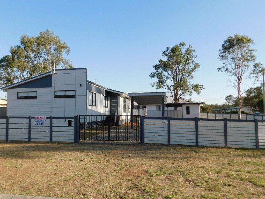 BRAND NEW HOME IN POPULAR GOLF LINKS ESTATE