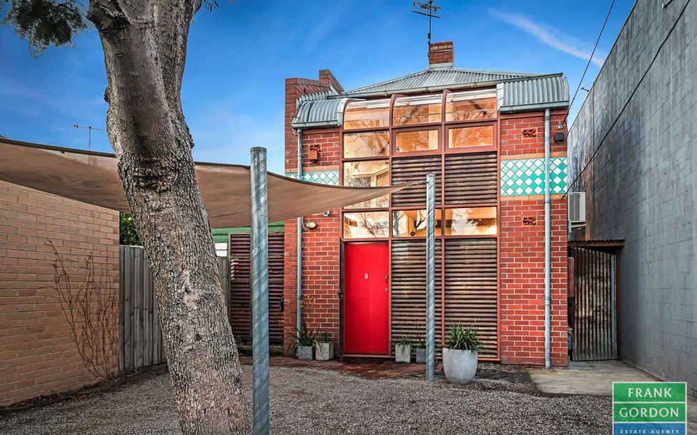 ARTY AND EARTHY 80'S RESIDENCE WITH EXCITING IMPROVEMENT POTENTIAL