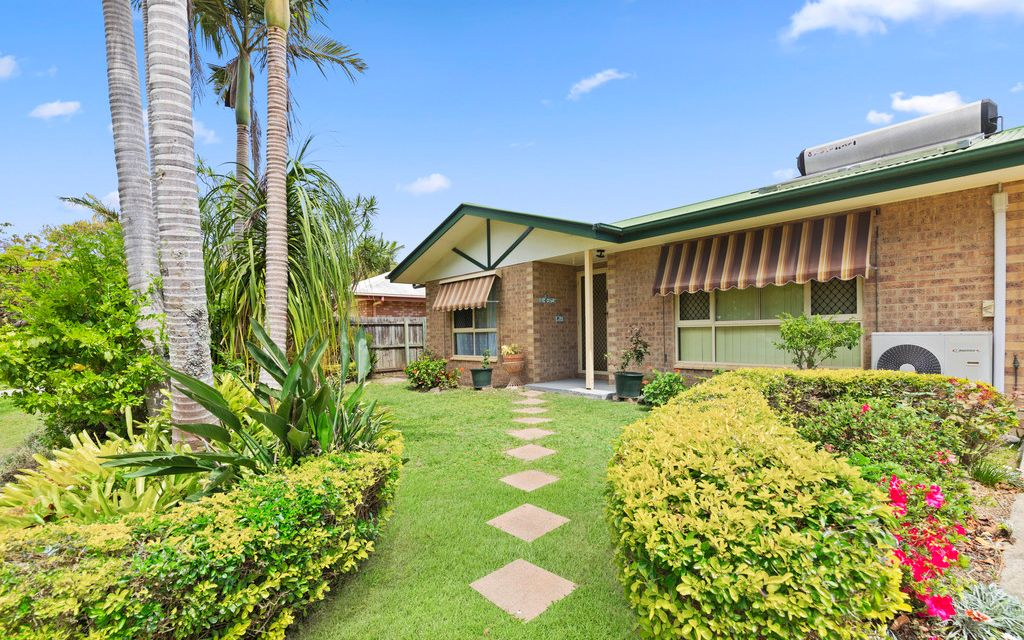 Perfectly positioned low maintenance home in premium coastal pocket