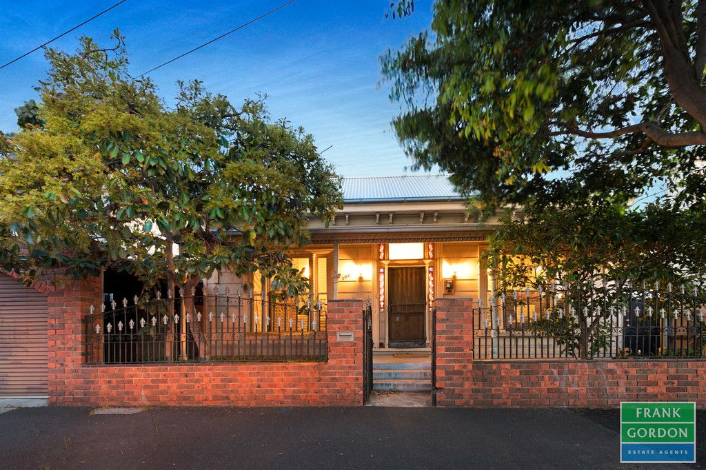 Classic Victorian with Side Block (Separate Title)