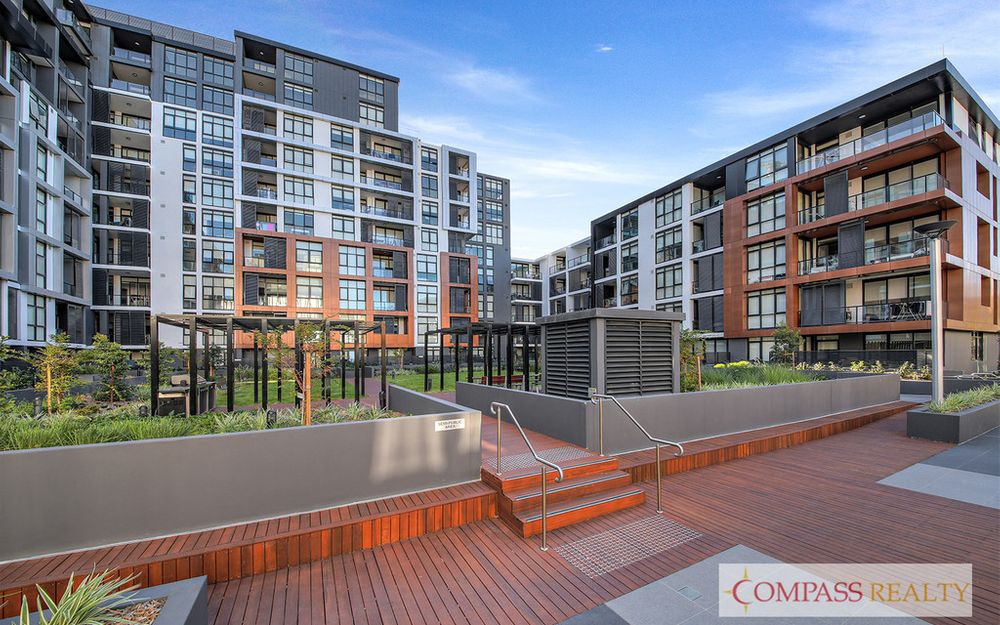 Compass Realty — Contemporary and Luxury 2 Bedrooms Apartment at Ryde
