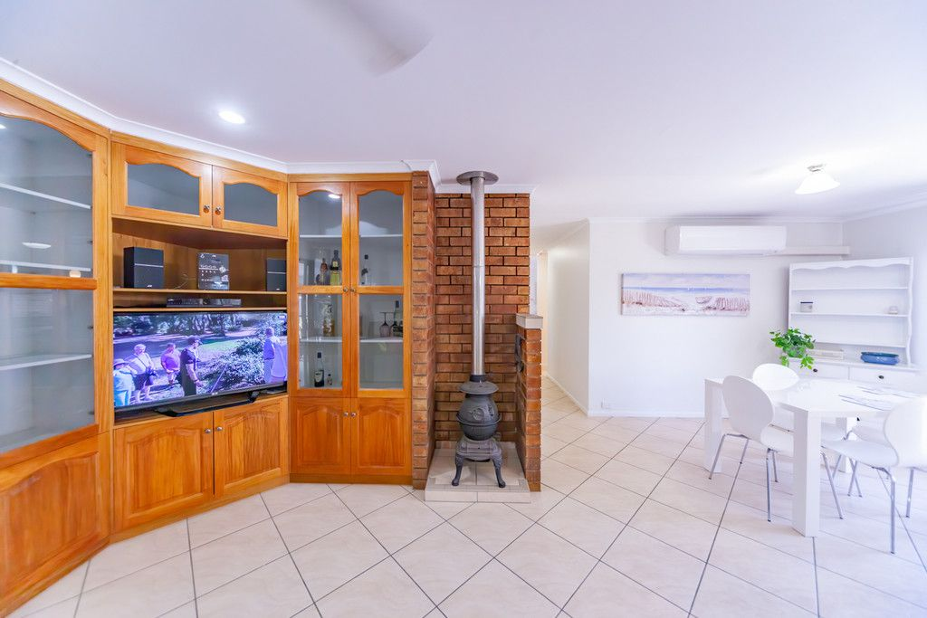 ***APPLICATIONS CLOSED*** Beautifully Presented Home Within Walking Distance to The Beach