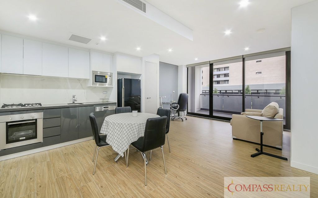 Modern Fully furnished Resort style 1 bedroom+study Meriton apartment; Short term for 3 month can be considered for rent of only $650