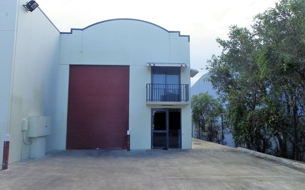INDUSTRIAL UNIT IN A GATED COMPLEX