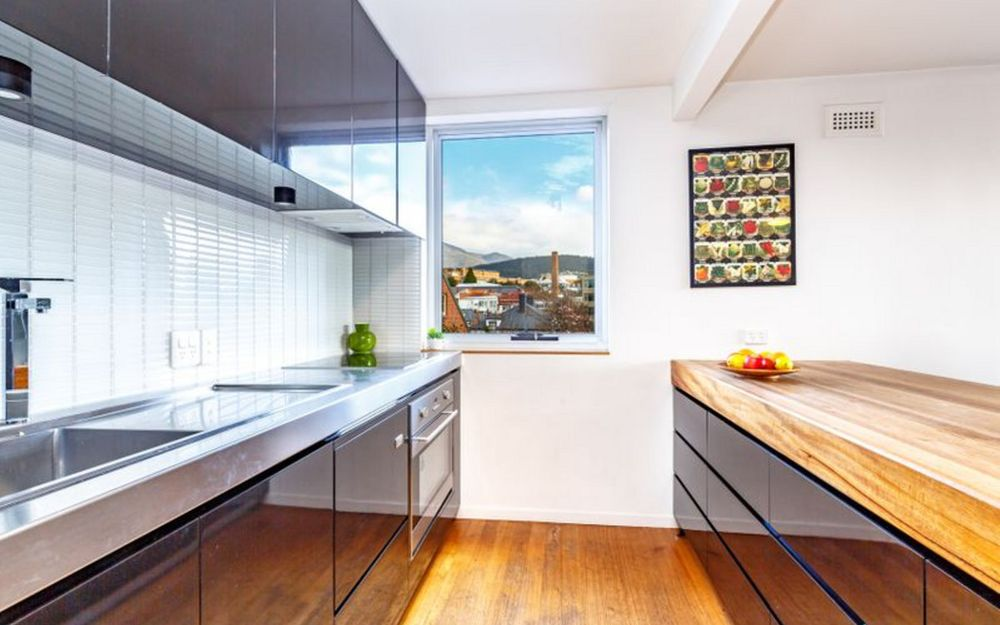 Designer Apartment in Historic Battery Point