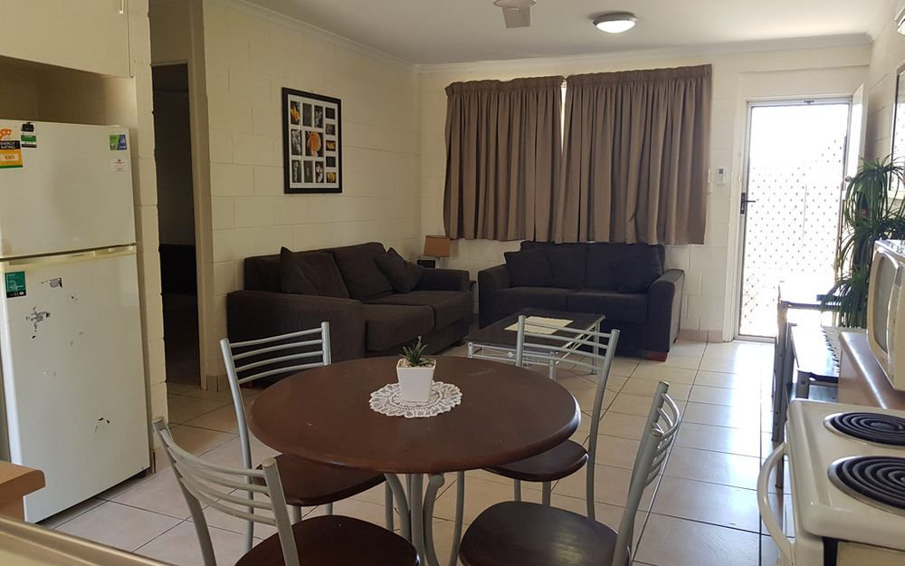FULLY FURNISHED- CLOSE TO ALL AMENITIES