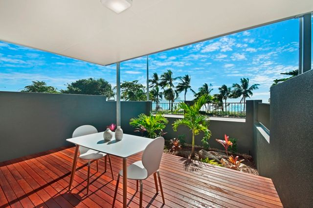 STUNNING ON THE STRAND- FULLY FURNISHED