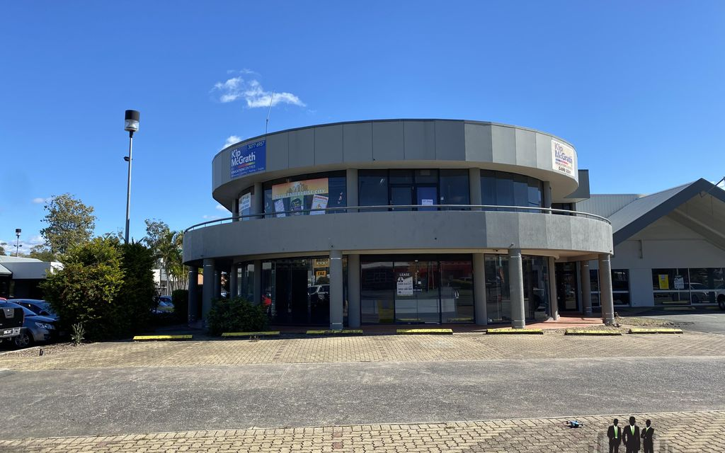 Unlimited Potential for Retail, Showroom or Office