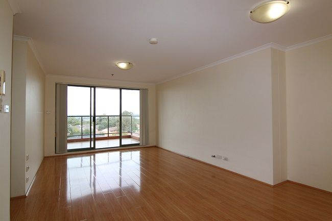 Renovated spacious 3 bedroom apartments with timber floorboards