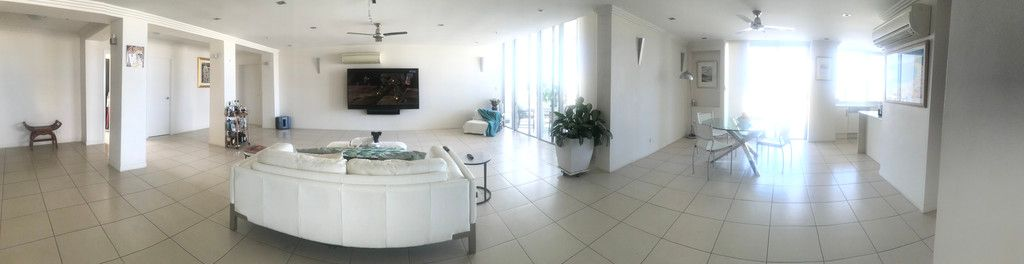 SUB-PENTHOUSE 4810 -LUXURY AND VIEWS FROM EVERY ROOM