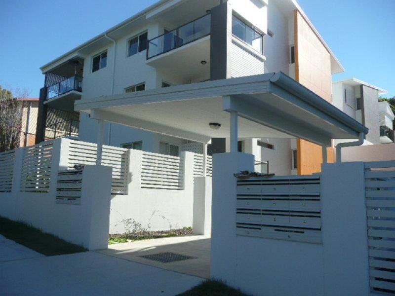 Beautiful Modern Courtyard Unit