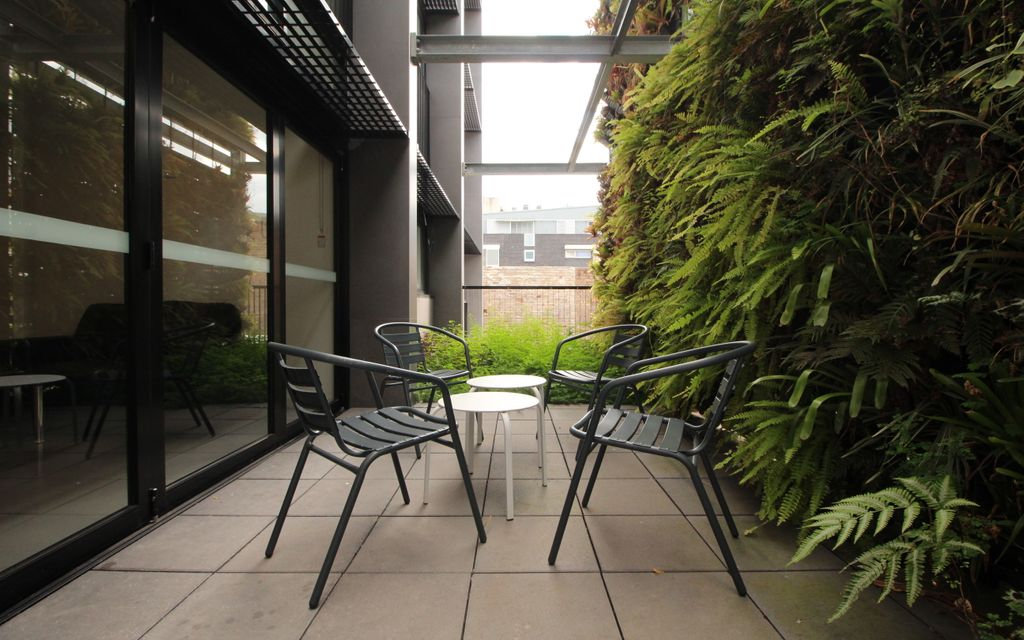 IN THE HEART OF RANDWICK – STUDIO APARTMENT – FULLY FURNISHED