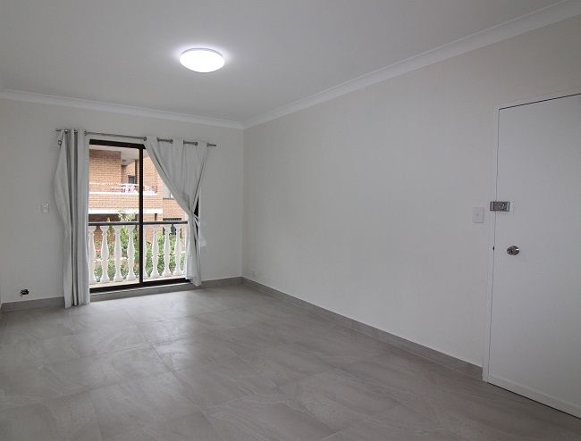 Newly renovated 3 bedroom unit, spacious and bright