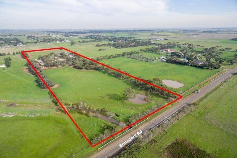 A Slice Of The Future – 11 Acres!