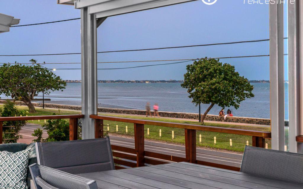 Enjoy bayside living at its best!  – Fully furnished