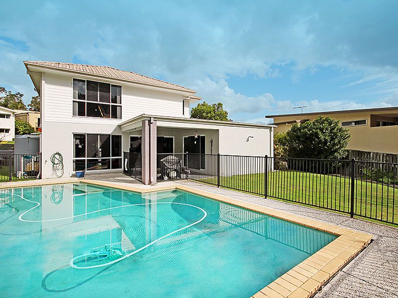 Stunning Family Home with a Pool & Solar!!