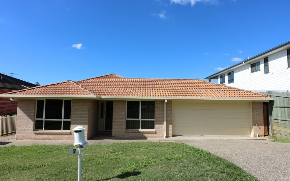 4Bed plus Study Low-Set Home in Popular Geebung