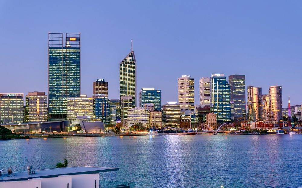 LIFESTYLE APARTMENT WITH PANORAMIC VIEWS ON SOUTH PERTH PENINSULA!