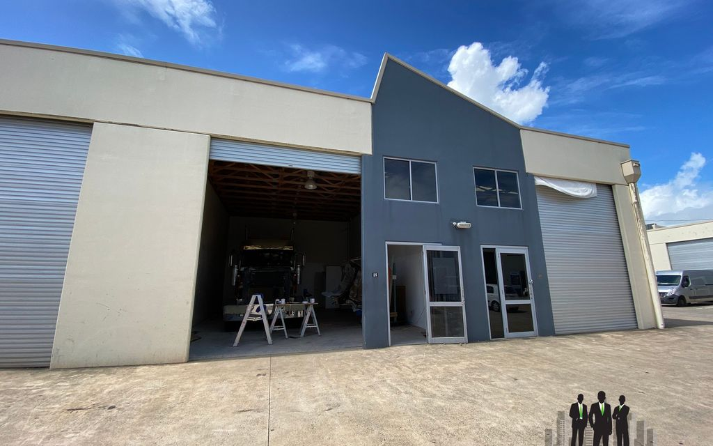 Cheap Well-Presented Warehouse in Busy Estate