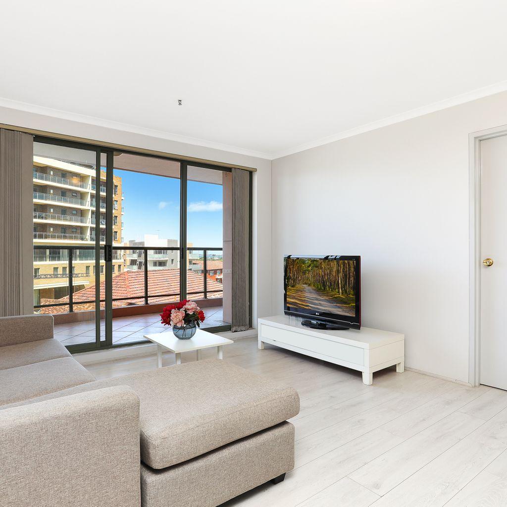 Spacious 3 bedroom apartment in prime location