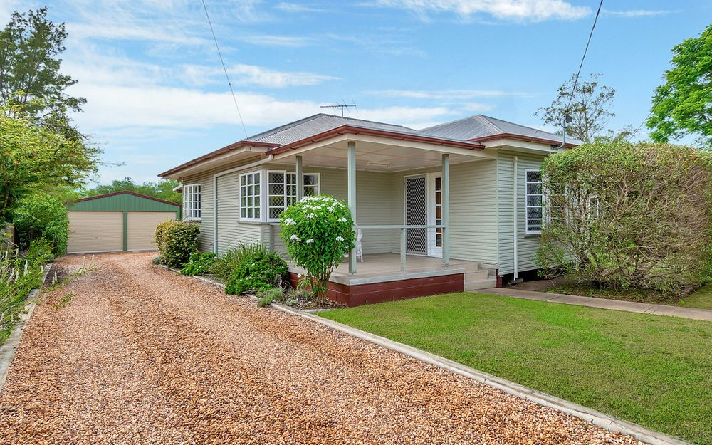 FULLY RENOVATED WITH A SHED – STUNNING FAMILY HOME!