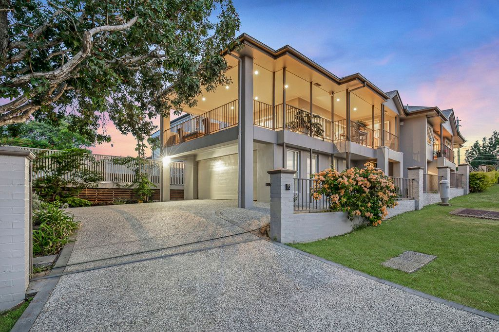 ENTERTAINERS DREAM WITH CITY VIEWS