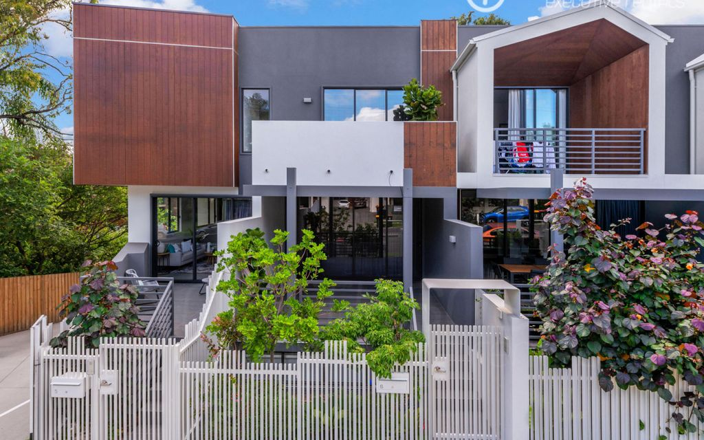 Simply incredible, brand new townhouse in highly sought after precinct