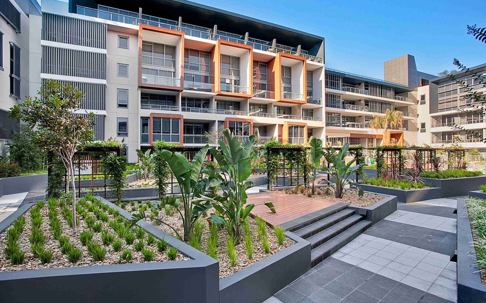 Fully Furnished 3 Bedroom Apartment @ Divercity!