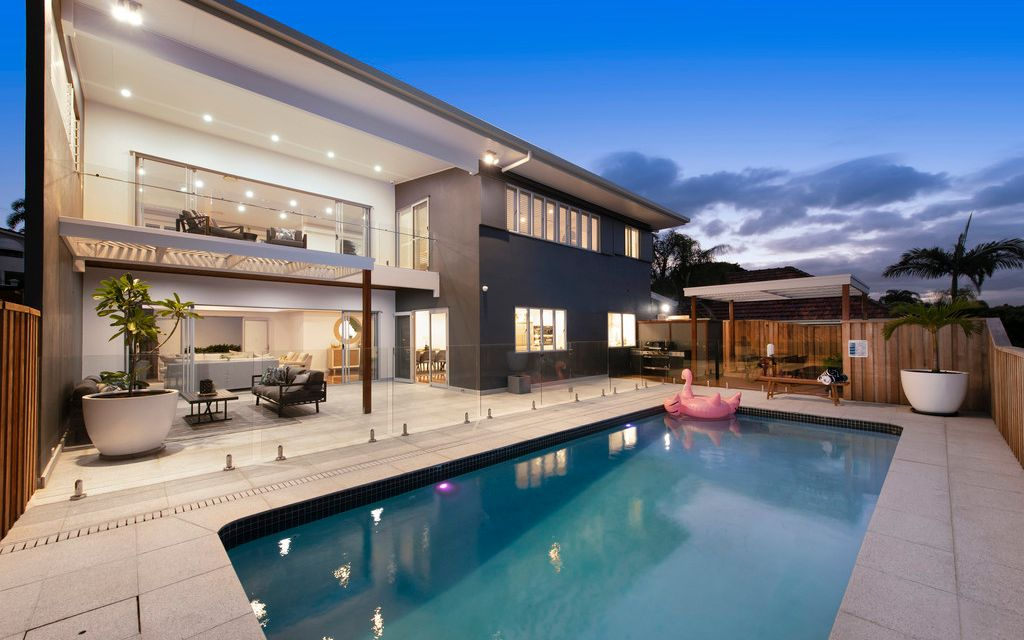 North Facing, Generous Contemporary Living in Prestigious Address