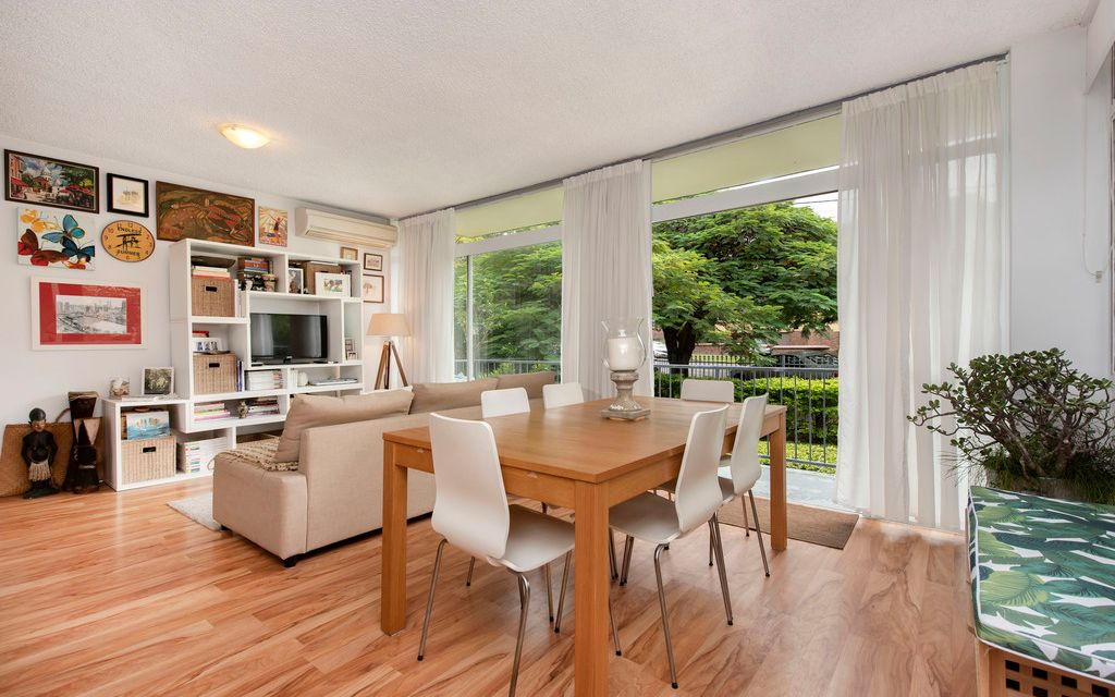 Sought after Mid Century Style, Boutique Living in New Farm River Walk Precinct