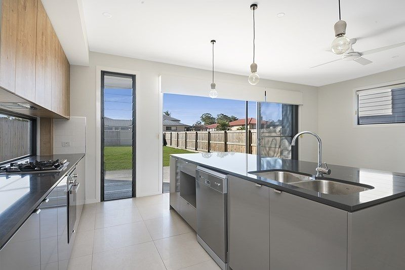 Pet Friendly – Stylish Modern 2 Level Living in Quiet Boondall Location