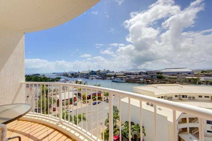 APPROVED APPLICATION! Amazing views! Fully furnished Harbour City apartment on The Strand!