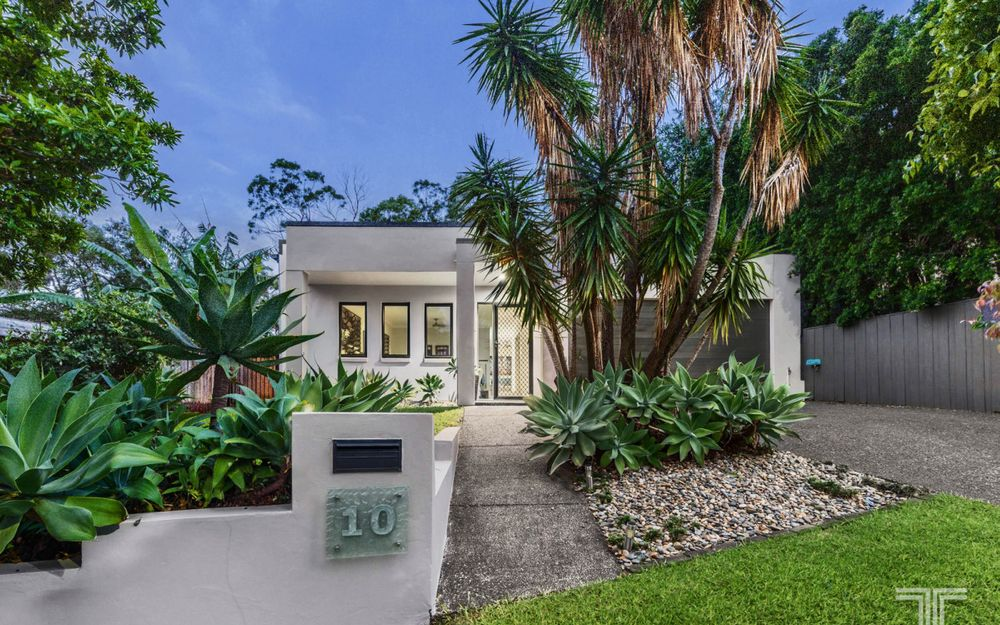 Peace and Privacy in Beautiful Family Home