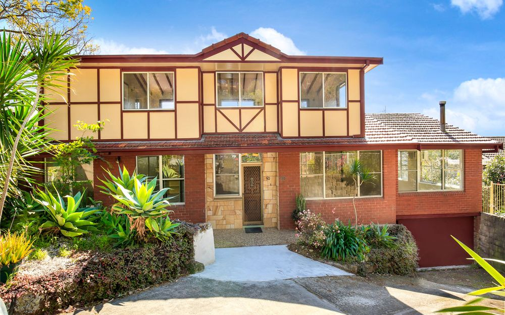 LARGE 4 BEDROOM HOME NEAR CBD