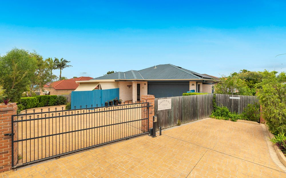 Neat Lowset Home